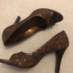 Carlos Santana Redemption Brown leather heels